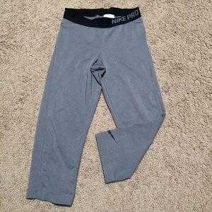 Nike pro Capri pants
